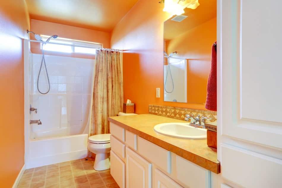 La salle de bains : changer la déco, utilisez de la couleur